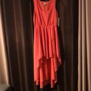 NEW WITH TAGS 💃 Coral high low dress